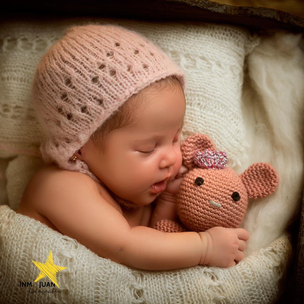 Fotografía creativa de recién nacidos, newborn, bebés,